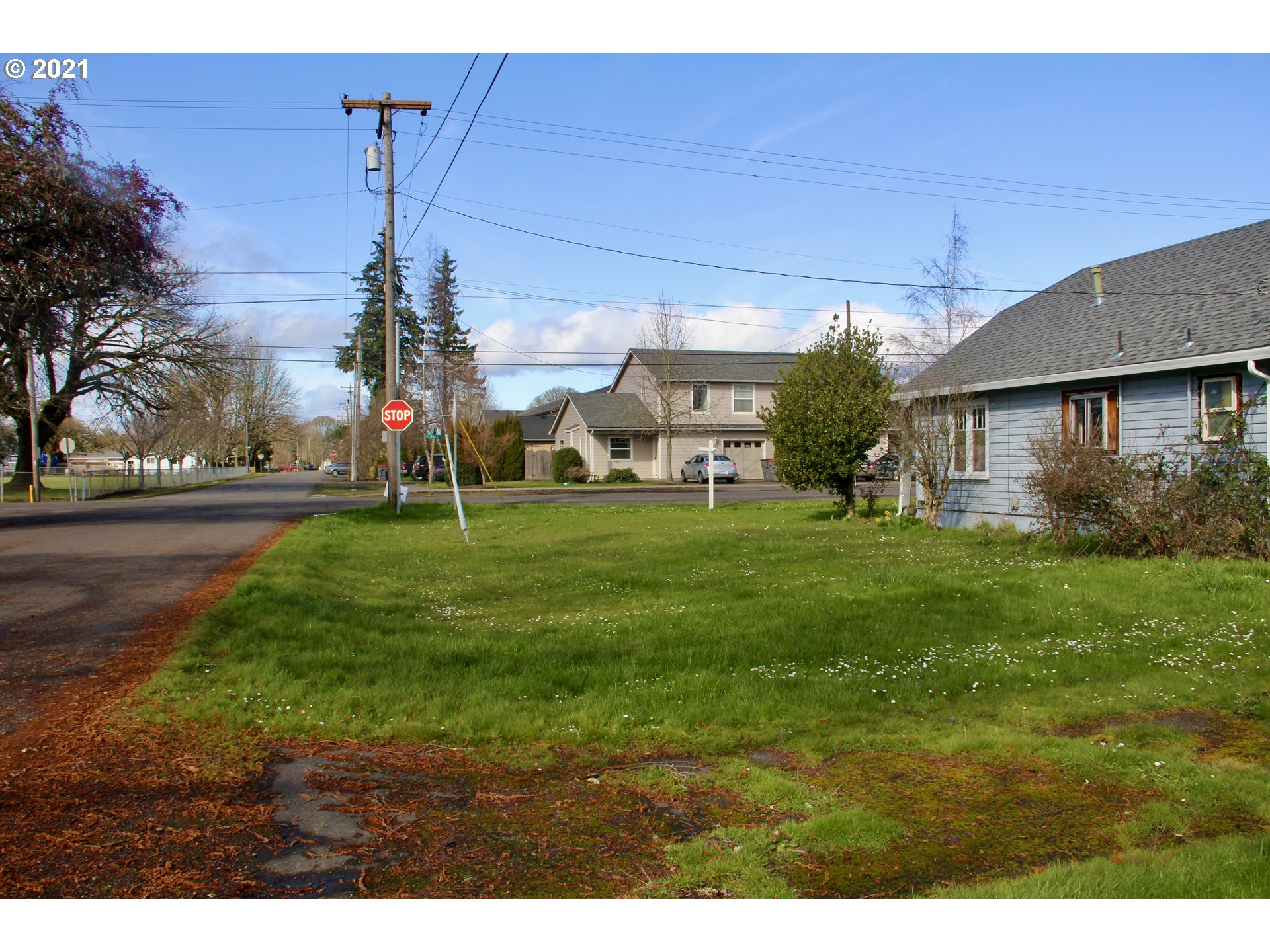211 5TH ST, AMITY, Oregon 97101, 2 Bedrooms Bedrooms, ,1 BathroomBathrooms,Single Family,For Sale,211 5TH ST,1,21490036
