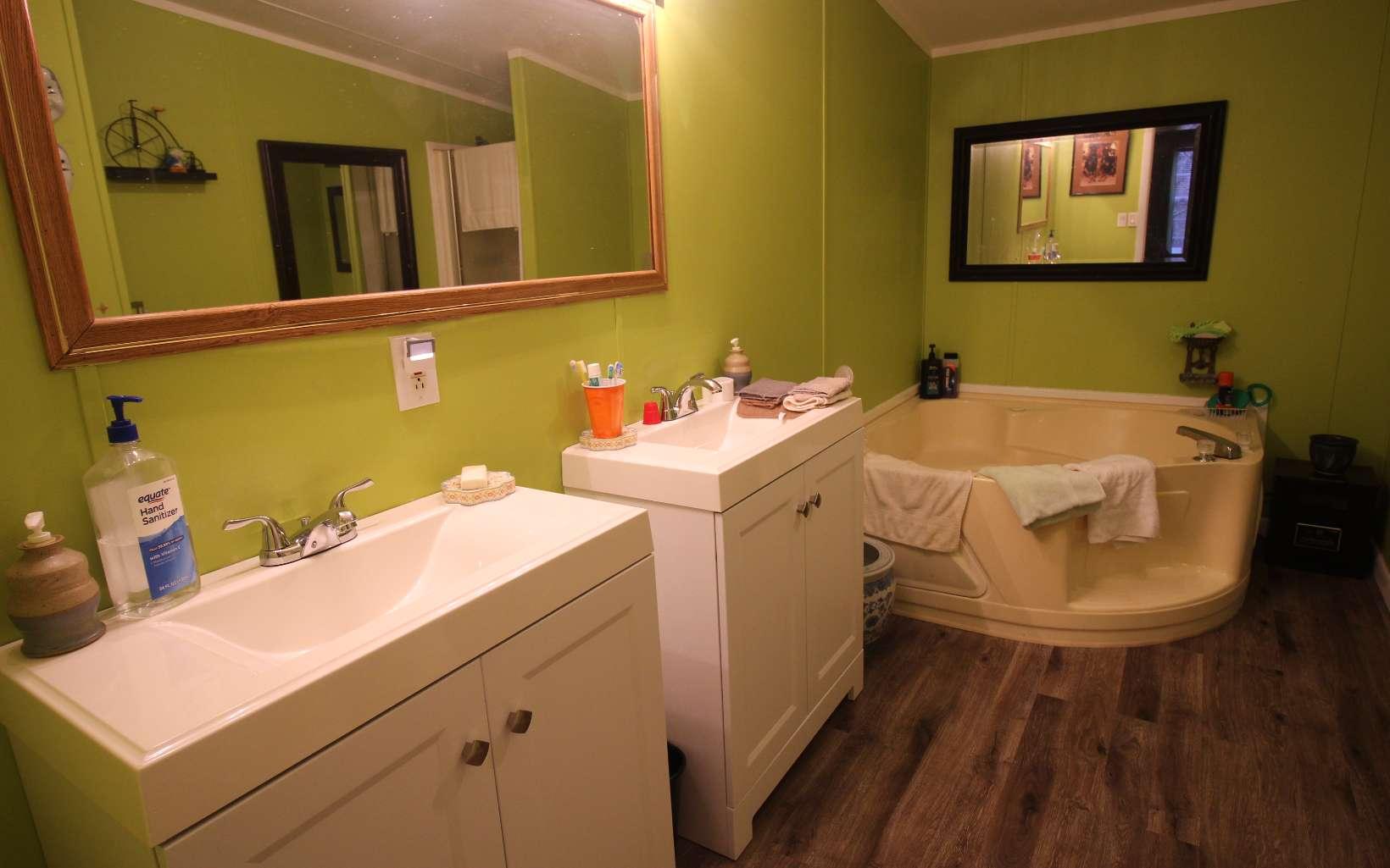 807 BANKS ROAD, Ellijay, Georgia 30540, 4 Bedrooms Bedrooms, ,2 BathroomsBathrooms,Single Family,For Sale,807 BANKS ROAD,305231