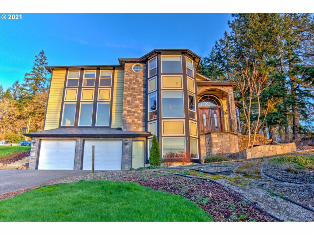 4054 NE Garden Dr, Newberg, Oregon 97132, 4 Bedrooms Bedrooms, ,4 BathroomsBathrooms,Single Family,For Sale,4054 NE Garden Dr,21266878