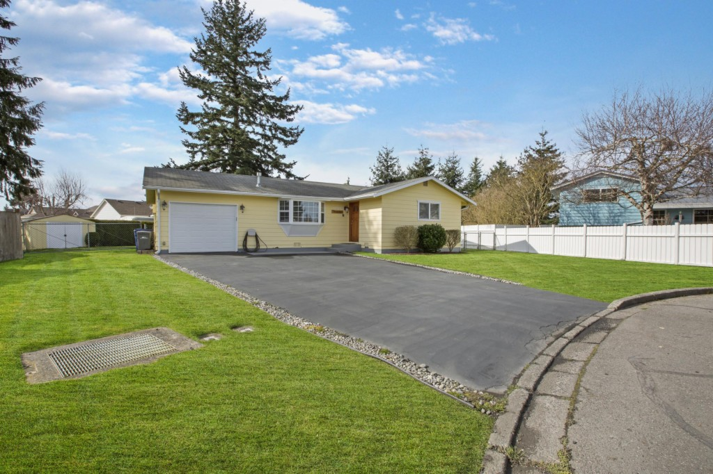 1002 Shuler Ave, Burlington, Washington 98233, 3 Bedrooms Bedrooms, ,1 BathroomBathrooms,Single Family,For Sale,1002 Shuler Ave,1,1744729