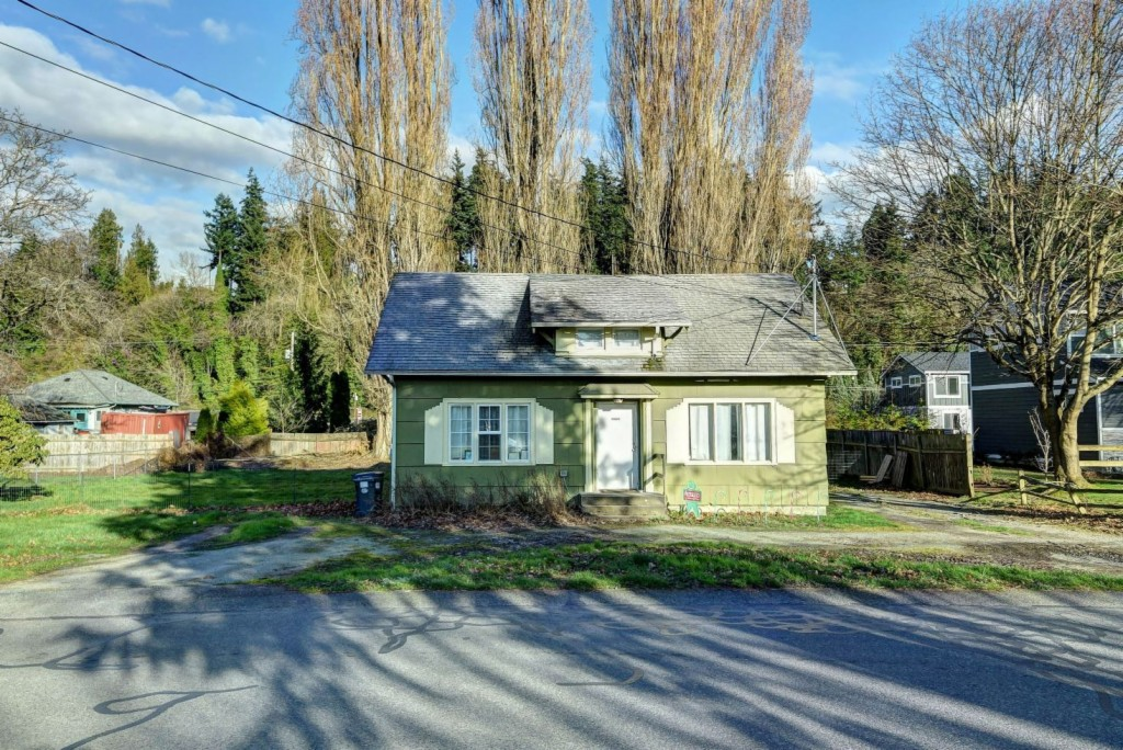 1228 S 6th St, Mount Vernon, Washington 98273, 2 Bedrooms Bedrooms, ,1 BathroomBathrooms,Single Family,For Sale,1228 S 6th St,2,1739503