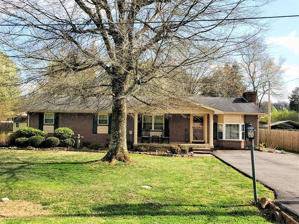 1213 Apache Street, Athens, Tennessee 37303, 2 Bedrooms Bedrooms, ,2 BathroomsBathrooms,Single Family,For Sale,1213 Apache Street,20211723