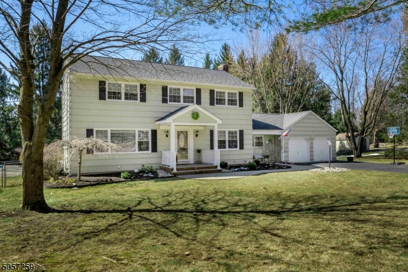 106 Pleasant Hill Rd, Randolph Twp., New Jersey 07869-3467, 4 Bedrooms Bedrooms, ,4 BathroomsBathrooms,Single Family,For Sale,106 Pleasant Hill Rd,3700471