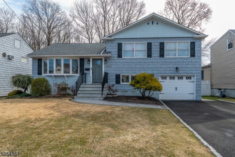 2861 Willard Pl, Union Twp., New Jersey 07083-6650, 3 Bedrooms Bedrooms, ,2 BathroomsBathrooms,Single Family,For Sale,2861 Willard Pl,3701054