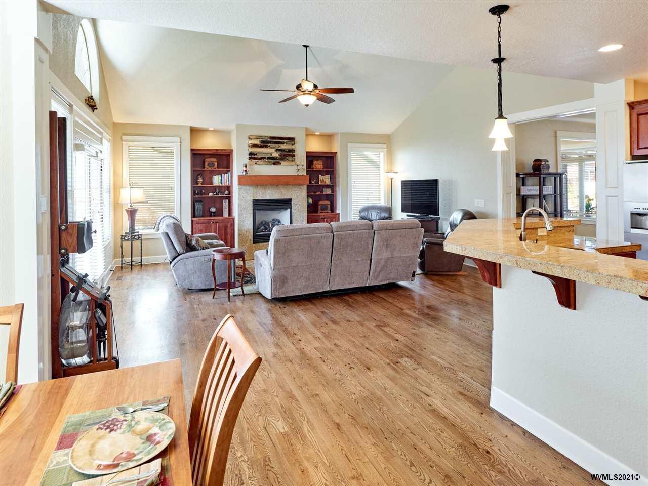 525 Yapa Dr, Silverton, Oregon 97381-1787, 3 Bedrooms Bedrooms, ,2 BathroomsBathrooms,Single Family,For Sale,525 Yapa Dr,1,774885
