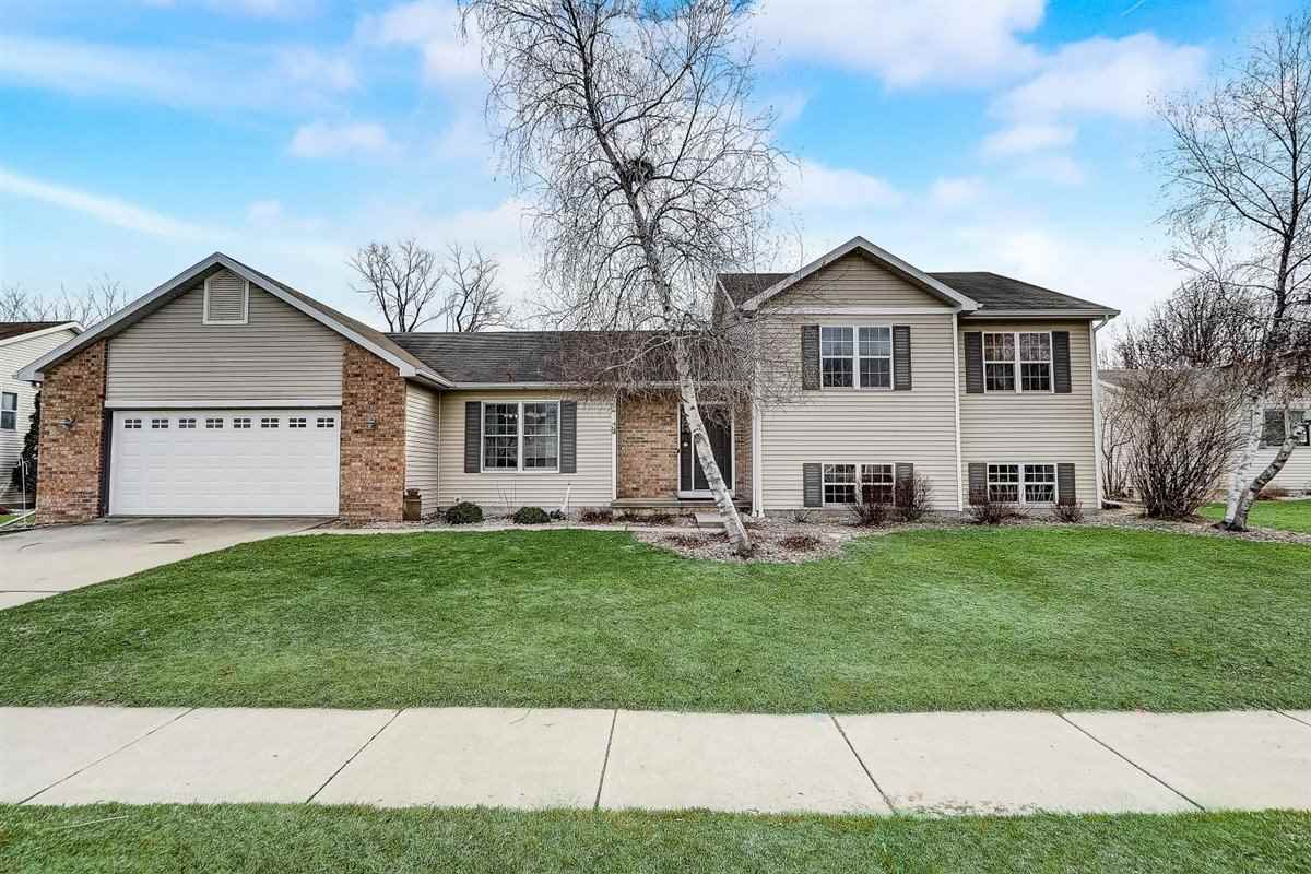 206 E Verleen Ave, Waunakee, Wisconsin 53597, 4 Bedrooms Bedrooms, ,2 BathroomsBathrooms,Single Family,For Sale,206 E Verleen Ave,1905059