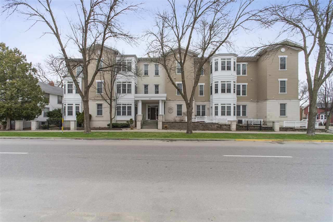 201 N Blair St, MADISON, Wisconsin 53703, 2 Bedrooms Bedrooms, ,2 BathroomsBathrooms,Townhouse,For Sale,201 N Blair St,1905018