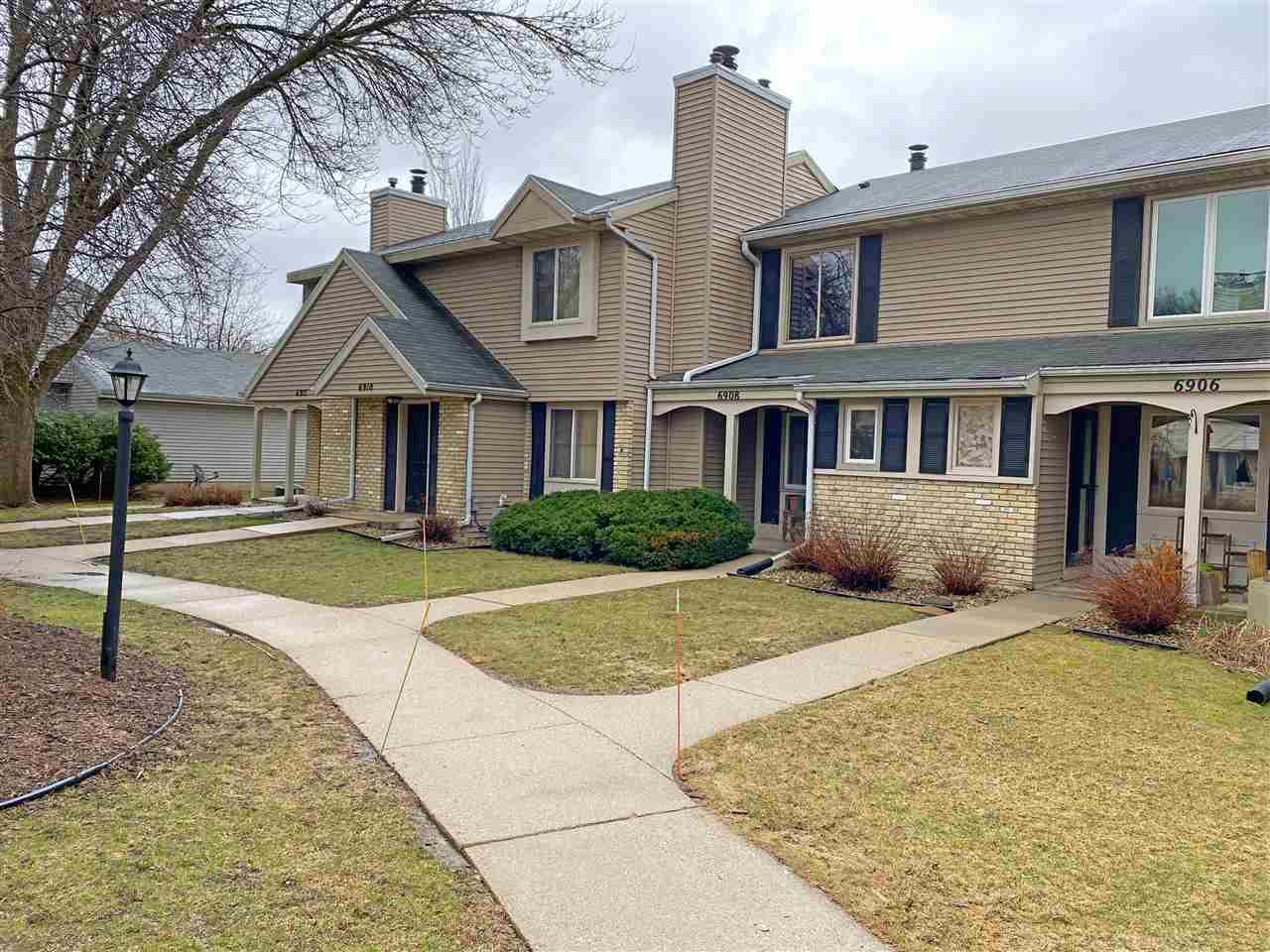 6908 Park Ridge Dr, MADISON, Wisconsin 53719, 2 Bedrooms Bedrooms, ,2 BathroomsBathrooms,Townhouse,For Sale,6908 Park Ridge Dr,1904848