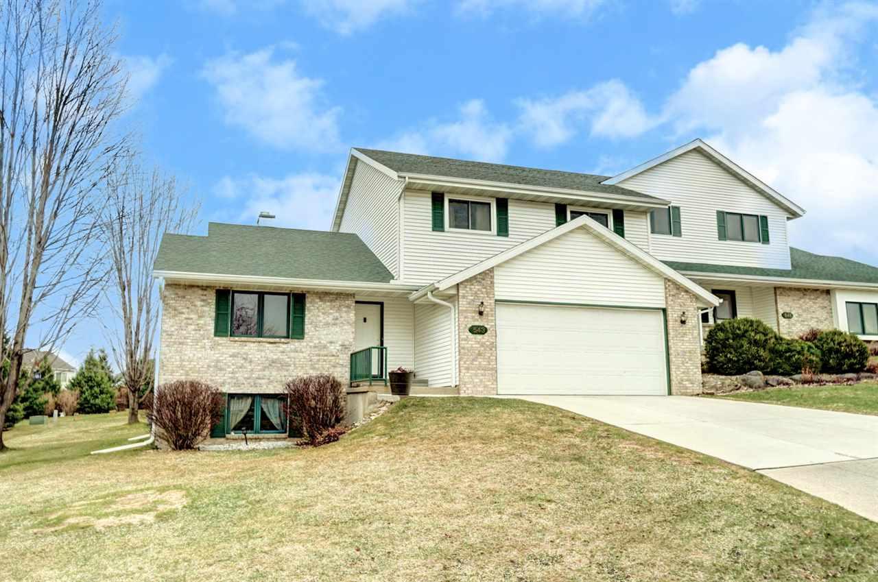 543 Berwick Dr, Sun Prairie, Wisconsin 53590, 3 Bedrooms Bedrooms, ,3 BathroomsBathrooms,Single Family,For Sale,543 Berwick Dr,2,1904870