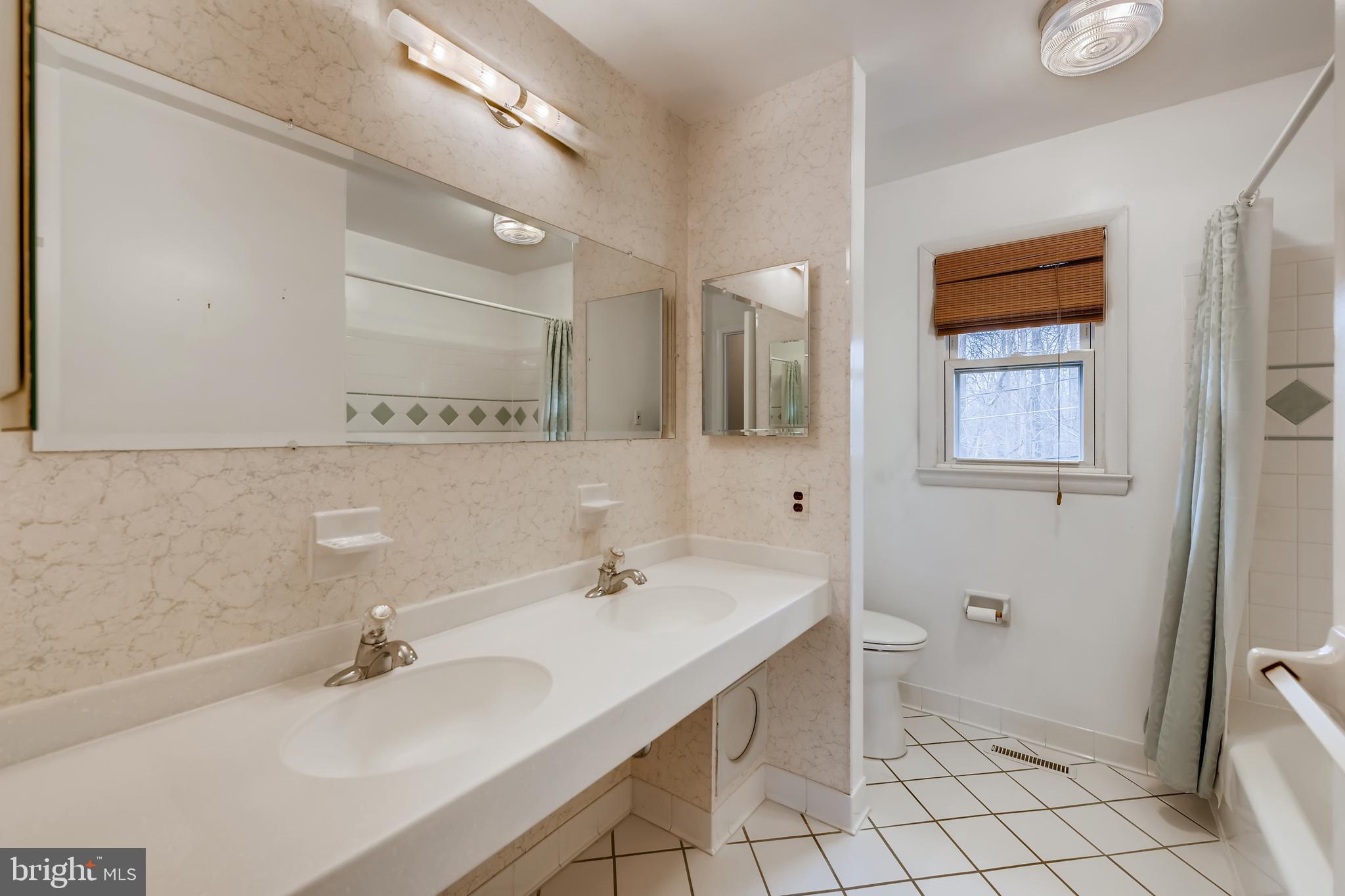 9 LAKE FOREST COURT, Nottingham, Maryland 21236, 4 Bedrooms Bedrooms, ,2 BathroomsBathrooms,Single Family,For Sale,9 LAKE FOREST COURT,MDBC522574