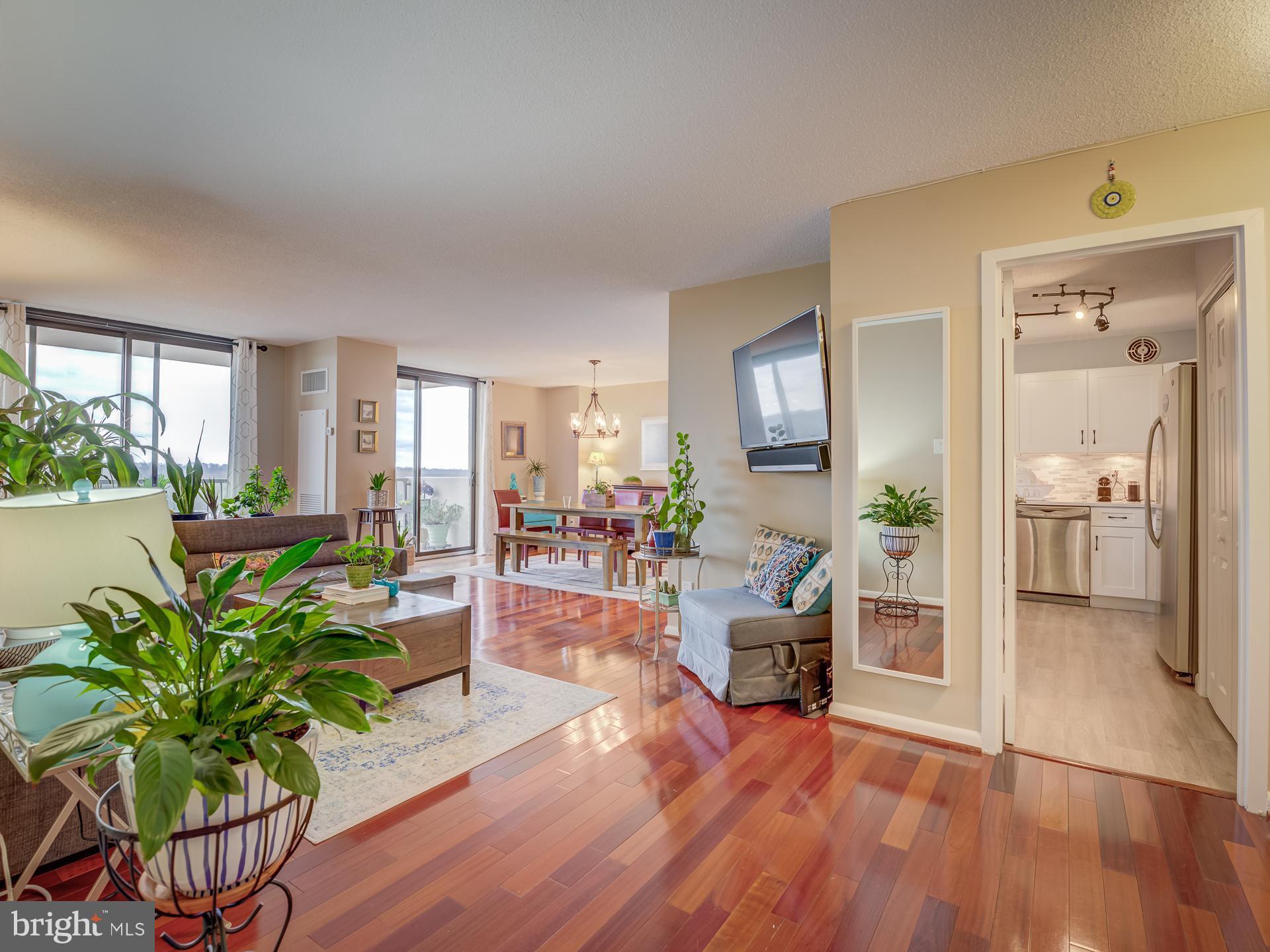 7420 WESTLAKE TERRACE, BETHESDA, Maryland 20817, 3 Bedrooms Bedrooms, ,2 BathroomsBathrooms,Condominium,For Sale,7420 WESTLAKE TERRACE,MDMC750020
