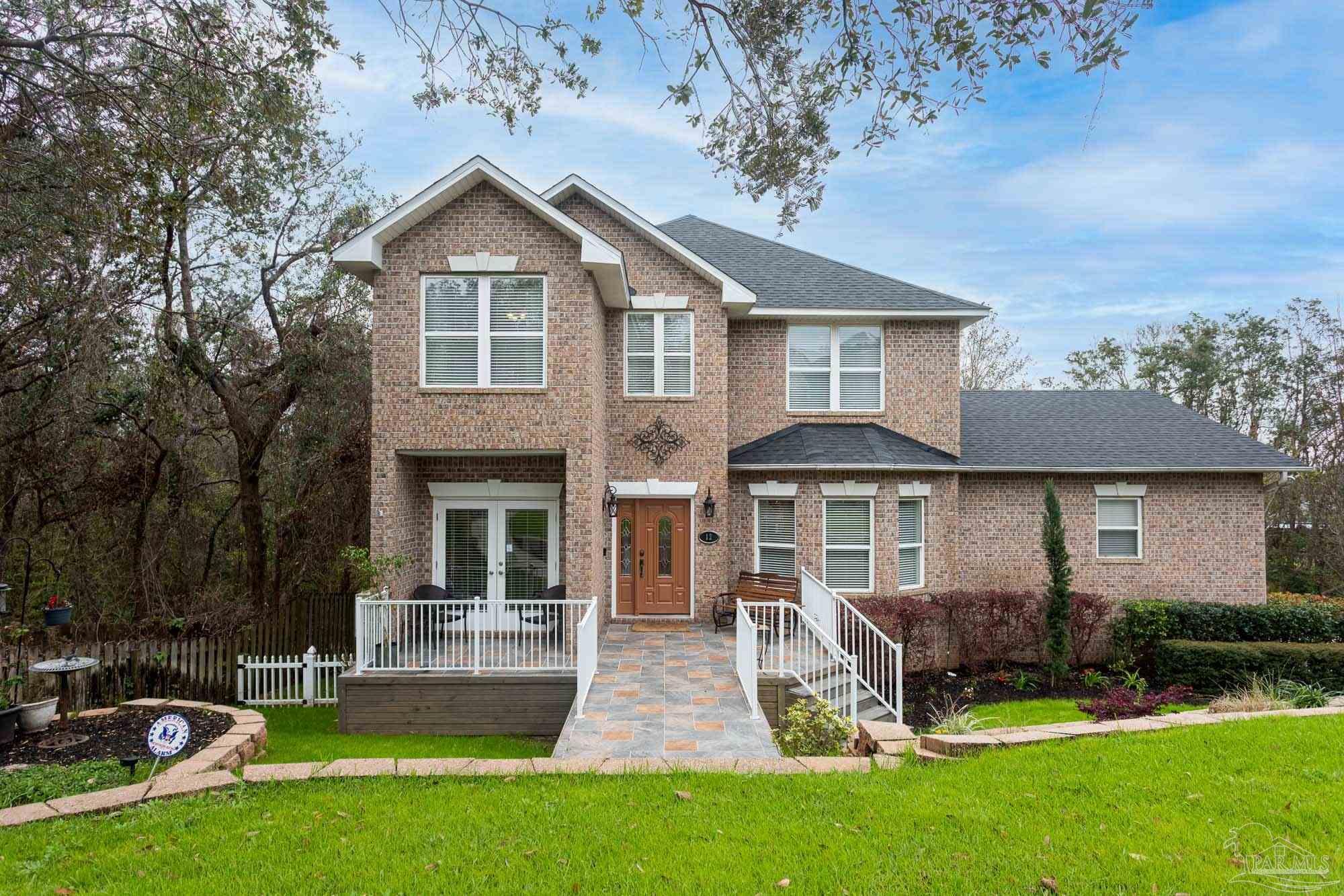 12 SHORELINE PL, Gulf Breeze, Florida 32561, 4 Bedrooms Bedrooms, ,4 BathroomsBathrooms,Single Family,For Sale,12 SHORELINE PL,3,586949