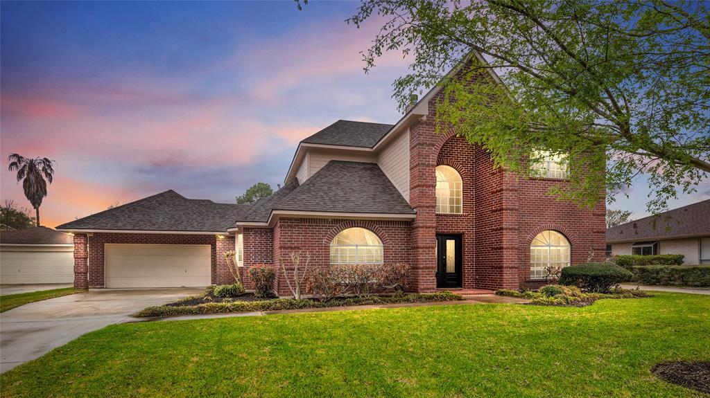 2218 S Fountain Valley Drive, Missouri City, Texas 77459, 4 Bedrooms Bedrooms, ,3 BathroomsBathrooms,Single Family,For Sale,2218 S Fountain Valley Drive,2,52488995