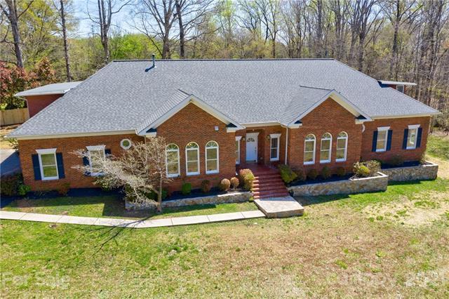 11600 Idlewild Road, Matthews, North Carolina 28105-1931, 3 Bedrooms Bedrooms, ,6 BathroomsBathrooms,Single Family,For Sale,11600 Idlewild Road,2,3718756