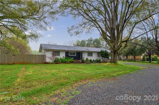 5701 Matthews-Mint Hill Road, Mint Hill, North Carolina 28227-9398, 4 Bedrooms Bedrooms, ,2 BathroomsBathrooms,Single Family,For Sale,5701 Matthews-Mint Hill Road,1,3713533