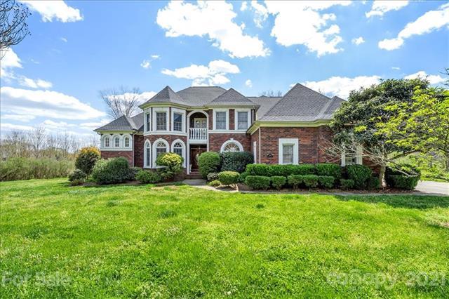 7430 Balintoy Lane, Matthews, North Carolina 28104-8301, 5 Bedrooms Bedrooms, ,4 BathroomsBathrooms,Single Family,For Sale,7430 Balintoy Lane,2,3725444