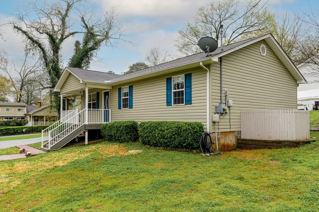 1202 Charles Street, Athens, Tennessee 37303, 3 Bedrooms Bedrooms, ,2 BathroomsBathrooms,Single Family,For Sale,1202 Charles Street,20211842