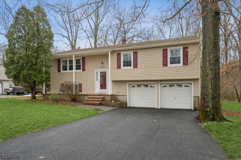 15 Carson Rd, Mount Olive Twp., New Jersey 07828-3501, 4 Bedrooms Bedrooms, ,3 BathroomsBathrooms,Single Family,For Sale,15 Carson Rd,3701014