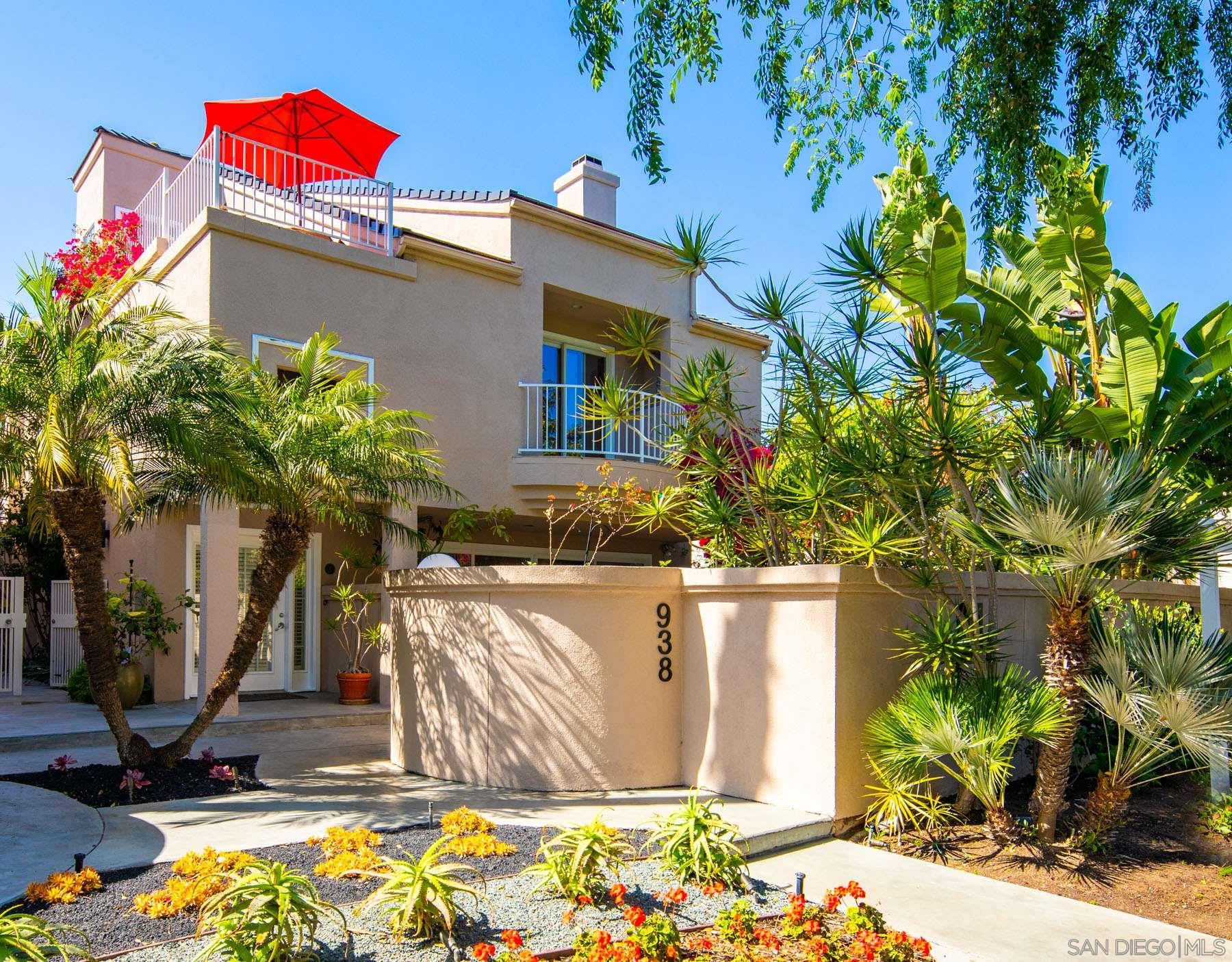 938 D Avenue, Coronado, California 92118, 4 Bedrooms Bedrooms, ,3 BathroomsBathrooms,Townhouse,For Sale,938 D Avenue,2,210008754