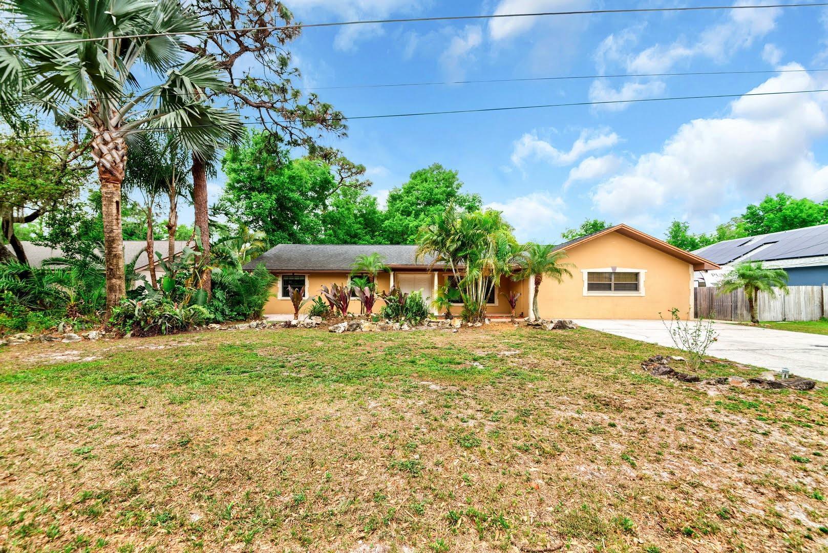 9440 W Paulinda Avenue, APOPKA, Florida 32703, 4 Bedrooms Bedrooms, ,3 BathroomsBathrooms,Single Family,For Sale,9440 W Paulinda Avenue,1,897554