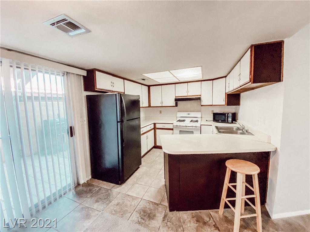 536 Kristin Lane, Henderson, Nevada 89011, 1 Bedroom Bedrooms, ,2 BathroomsBathrooms,Townhouse,For Sale,536 Kristin Lane,2,2284096