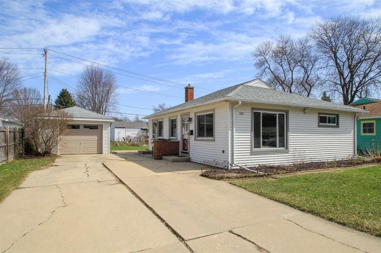 209 Schenk St, MADISON, Wisconsin 53714, 3 Bedrooms Bedrooms, ,2 BathroomsBathrooms,Single Family,For Sale,209 Schenk St,1,1905278