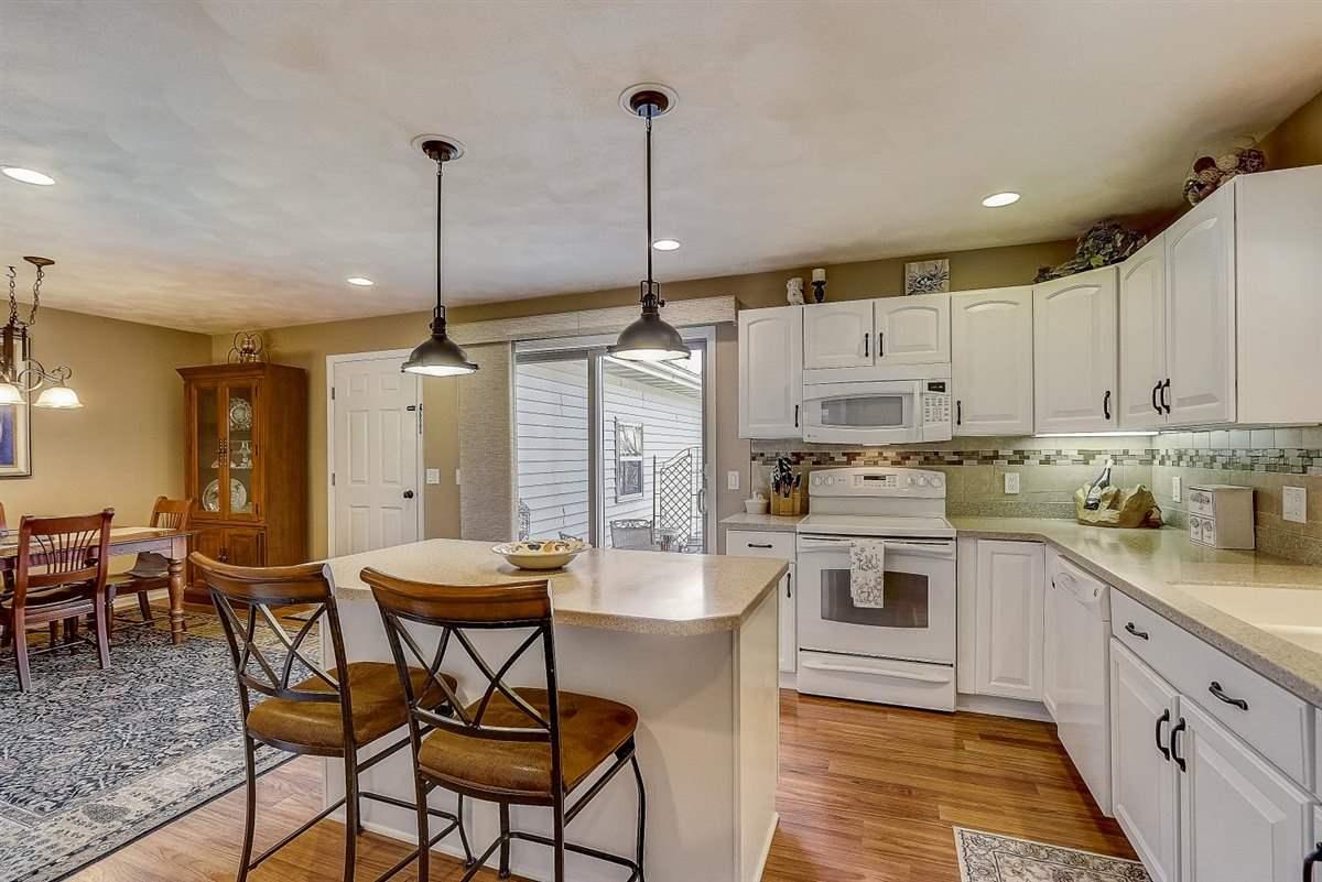 103 Fairview Way, Waunakee, Wisconsin 53597, 2 Bedrooms Bedrooms, ,2 BathroomsBathrooms,Townhouse,For Sale,103 Fairview Way,1905338