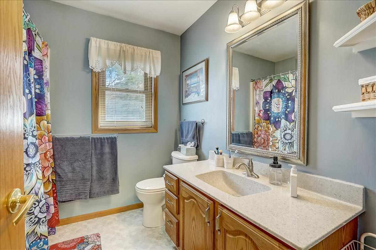 1301 Manchester West, Waunakee, Wisconsin 53597, 4 Bedrooms Bedrooms, ,4 BathroomsBathrooms,Single Family,For Sale,1301 Manchester West,2,1905447