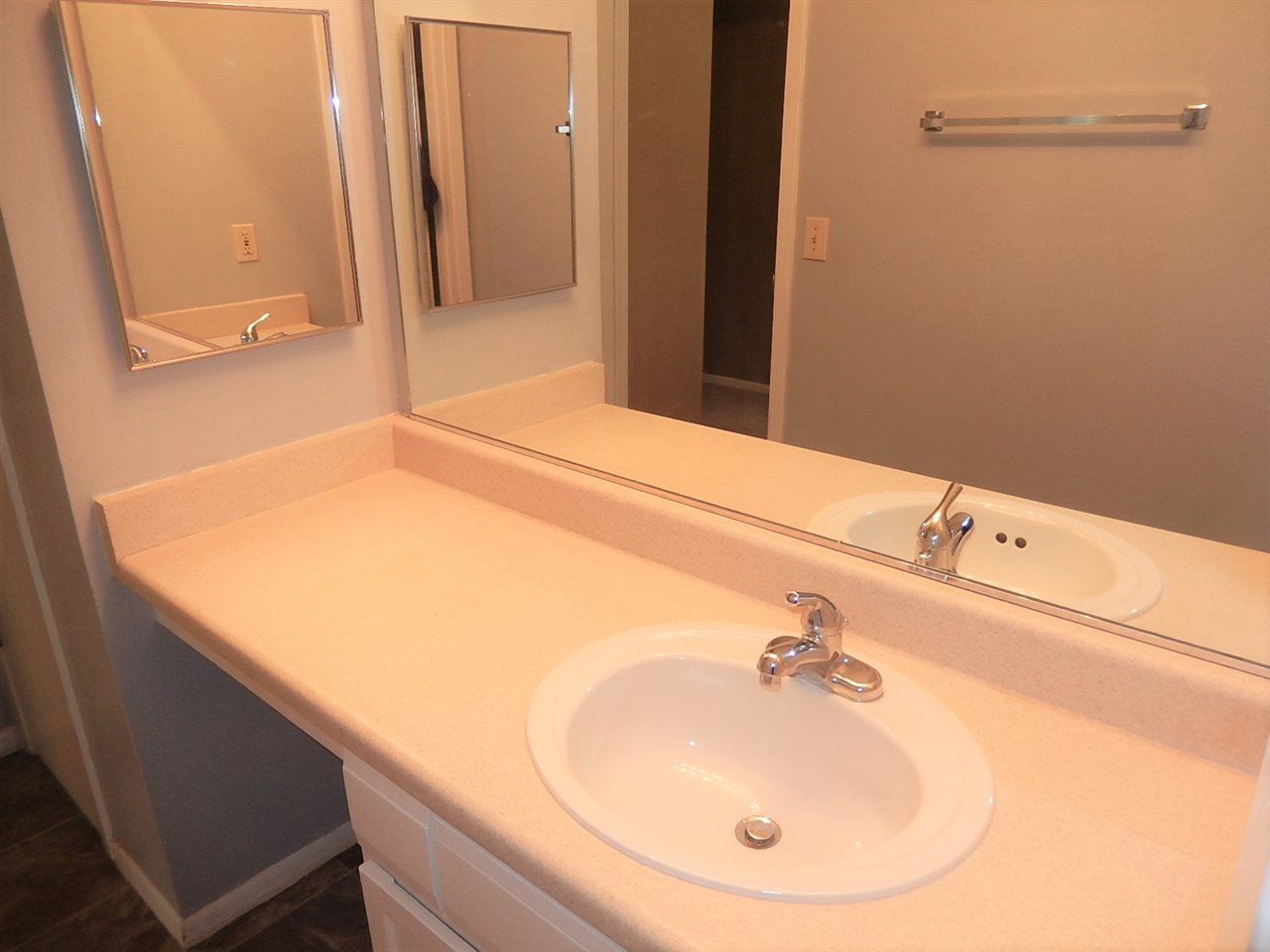 4314 Melody Ln, MADISON, Wisconsin 53704, 2 Bedrooms Bedrooms, ,1 BathroomBathrooms,Condominium,For Sale,4314 Melody Ln,1905425