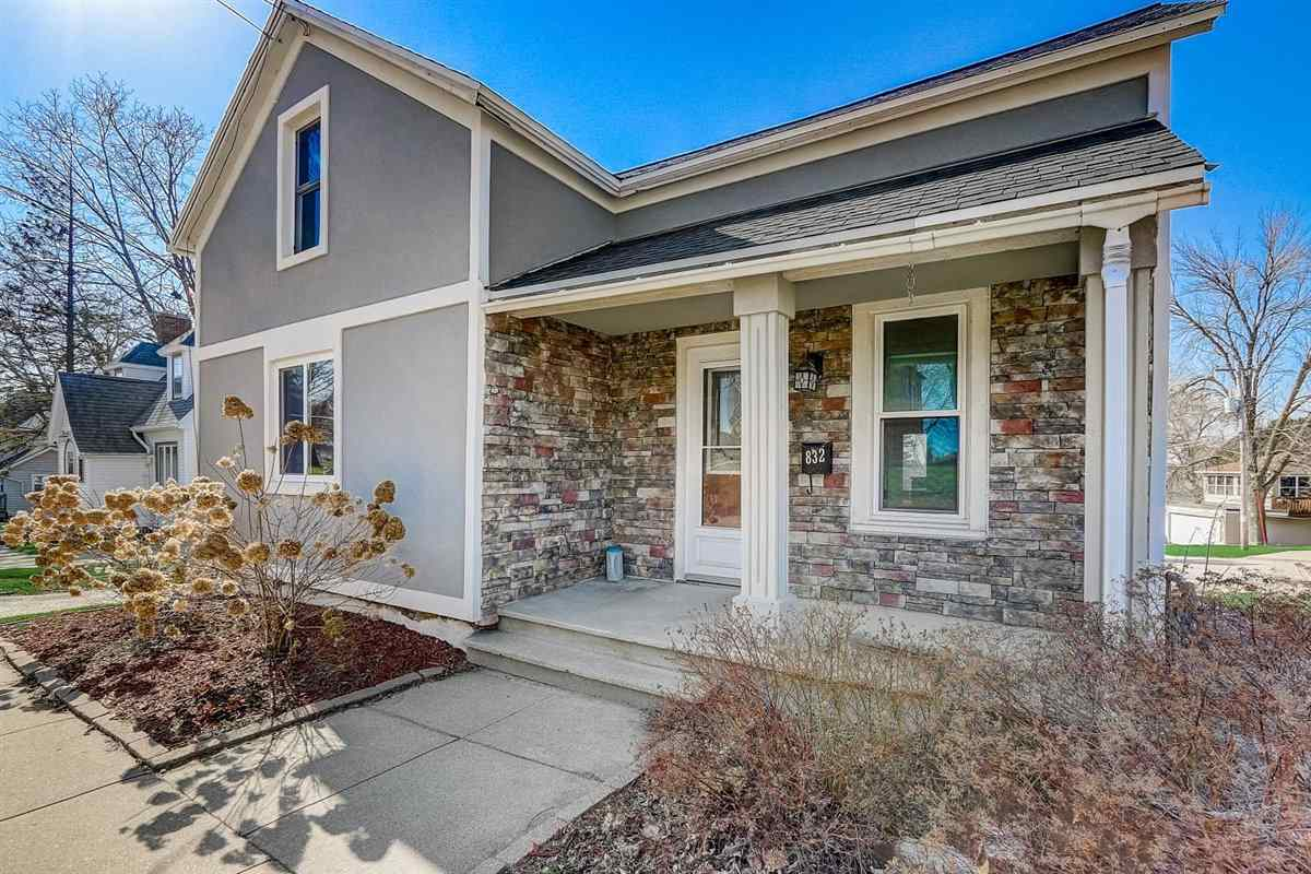832 Madison St, Beaver Dam, Wisconsin 53916, 3 Bedrooms Bedrooms, ,3 BathroomsBathrooms,Single Family,For Sale,832 Madison St,1905461