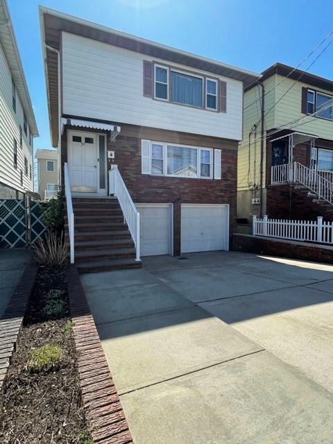 92 OAK ST, Bayonne, New Jersey 07002, 7 Bedrooms Bedrooms, ,5 BathroomsBathrooms,Multifamily,For Sale,92 OAK ST,210007427