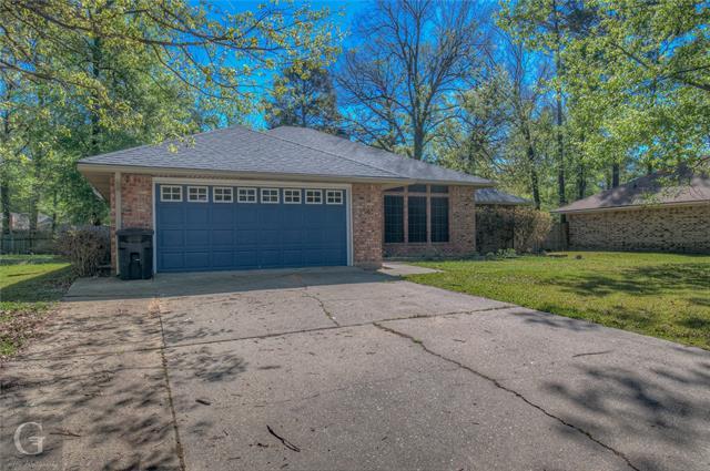 208 Deerwood Lane, Haughton, Louisiana 71037, 3 Bedrooms Bedrooms, ,2 BathroomsBathrooms,Single Family,For Sale,208 Deerwood Lane,1,14543355