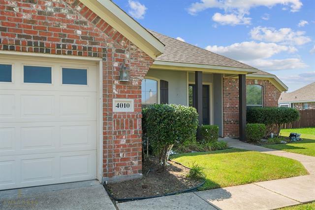 4010 Elizabeth Lane, Benton, Louisiana 71006, 3 Bedrooms Bedrooms, ,2 BathroomsBathrooms,Single Family,For Sale,4010 Elizabeth Lane,1,14546446
