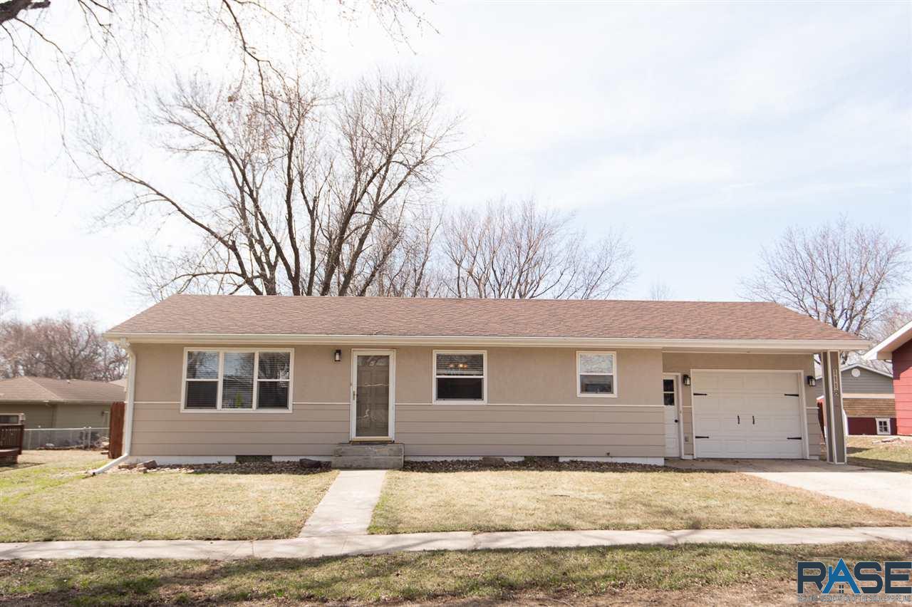 1118 Blaine St, Larchwood, Iowa 51241, 4 Bedrooms Bedrooms, ,2 BathroomsBathrooms,Single Family,For Sale,1118 Blaine St,22101541