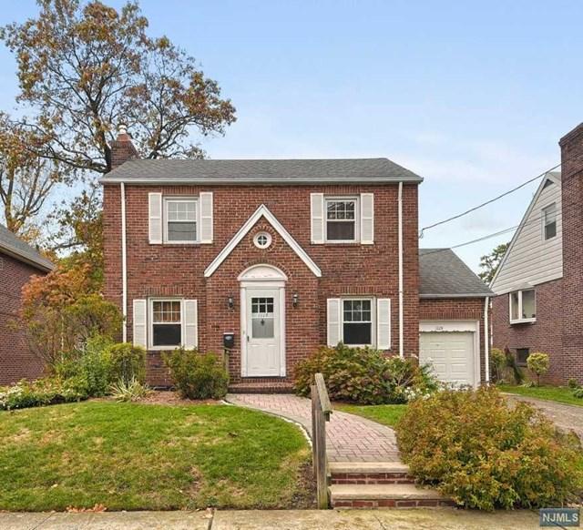 1115 Edgewood Lane, Fort Lee, New Jersey 07024, 2 Bedrooms Bedrooms, ,2 BathroomsBathrooms,Single Family,For Sale,1115 Edgewood Lane,21007682