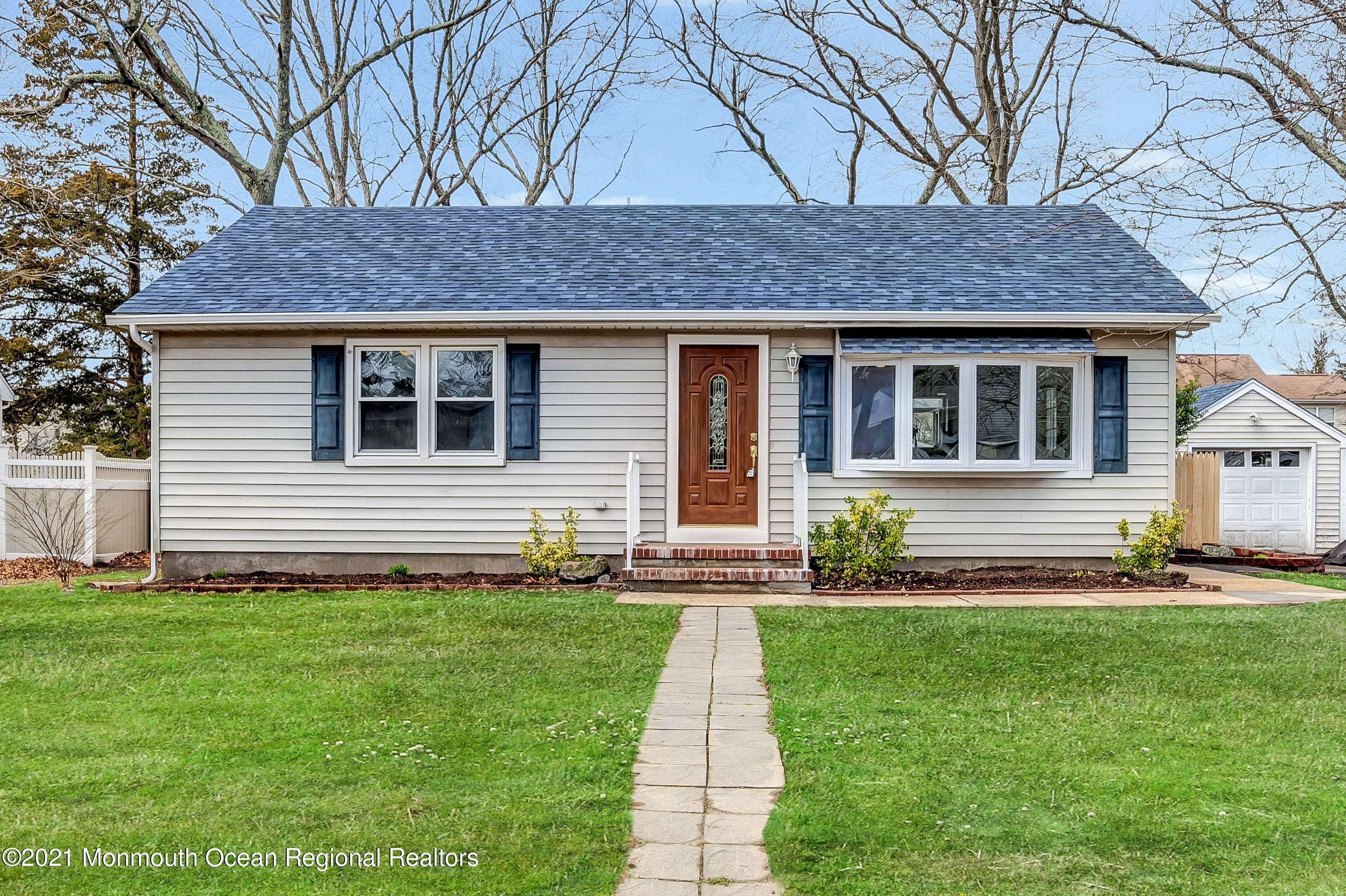 908 Briar Avenue, Toms River, New Jersey 08753, 3 Bedrooms Bedrooms, ,1 BathroomBathrooms,Single Family,For Sale,908 Briar Avenue,1,22110100