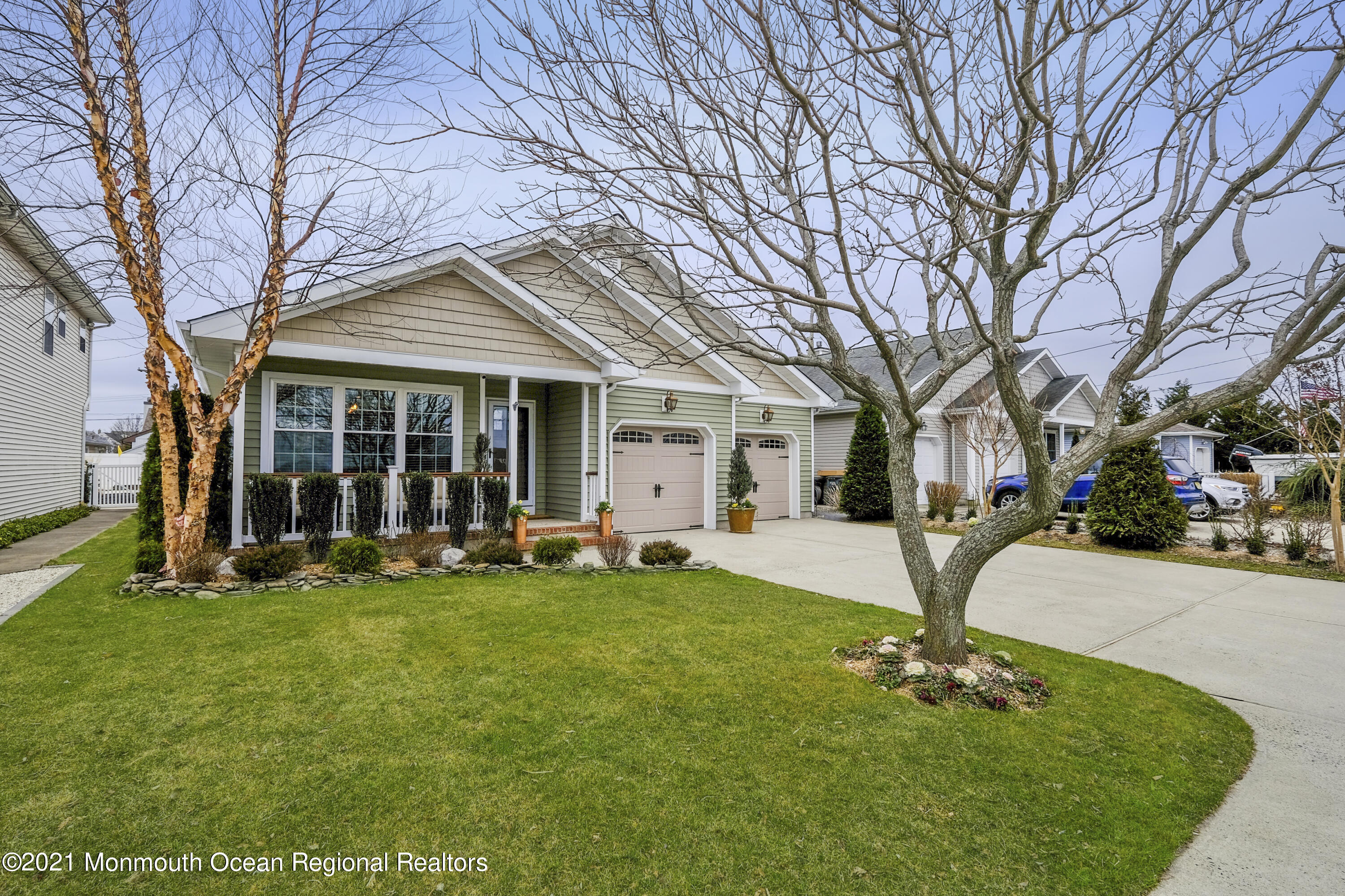414 Broadway, Point Pleasant Beach, New Jersey 08742, 3 Bedrooms Bedrooms, ,2 BathroomsBathrooms,Single Family,For Sale,414 Broadway,1,22110579