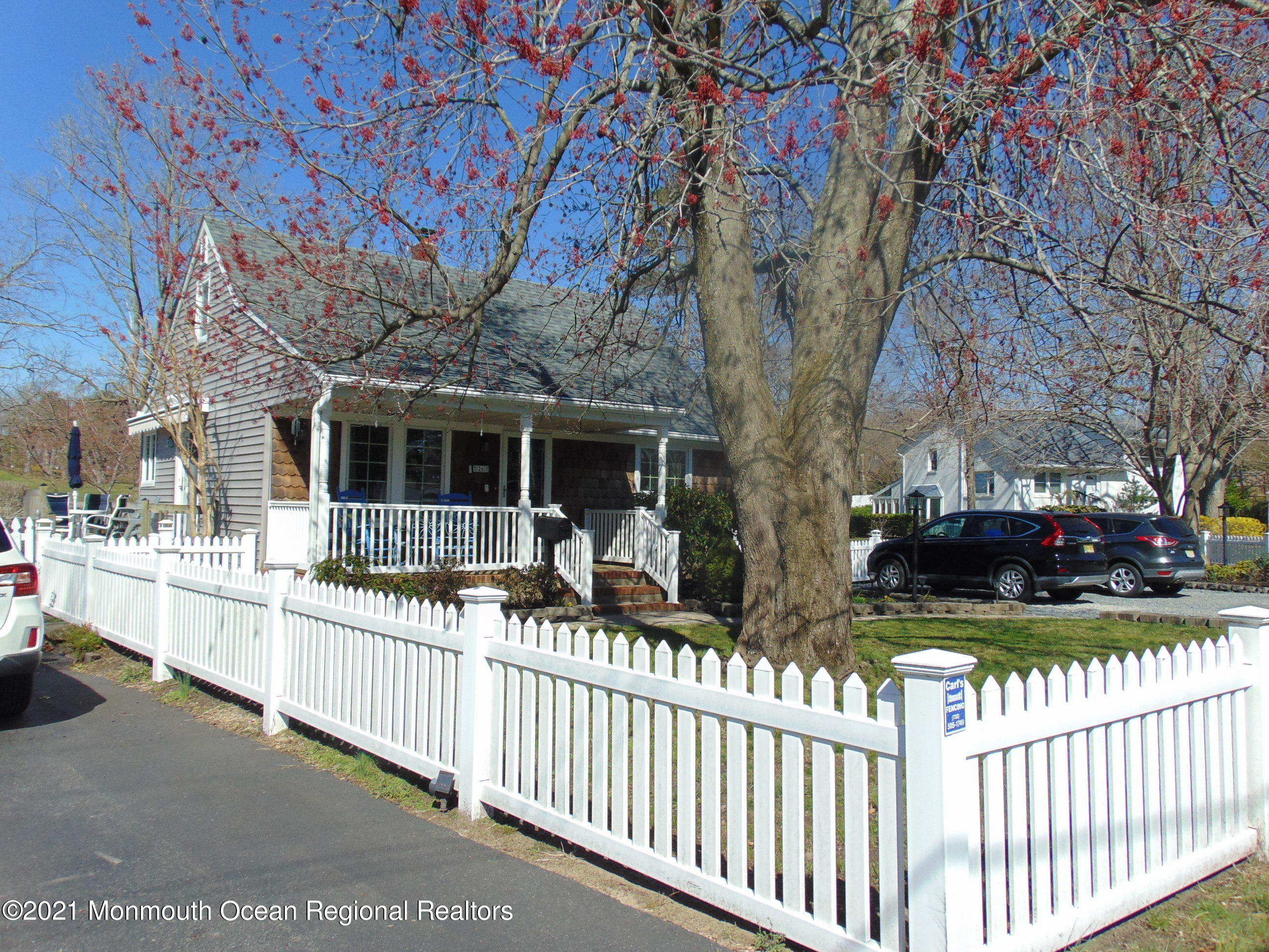 26 Point O Woods Drive, Toms River, New Jersey 08753, 3 Bedrooms Bedrooms, ,1 BathroomBathrooms,Single Family,For Sale,26 Point O Woods Drive,1.5,22109869