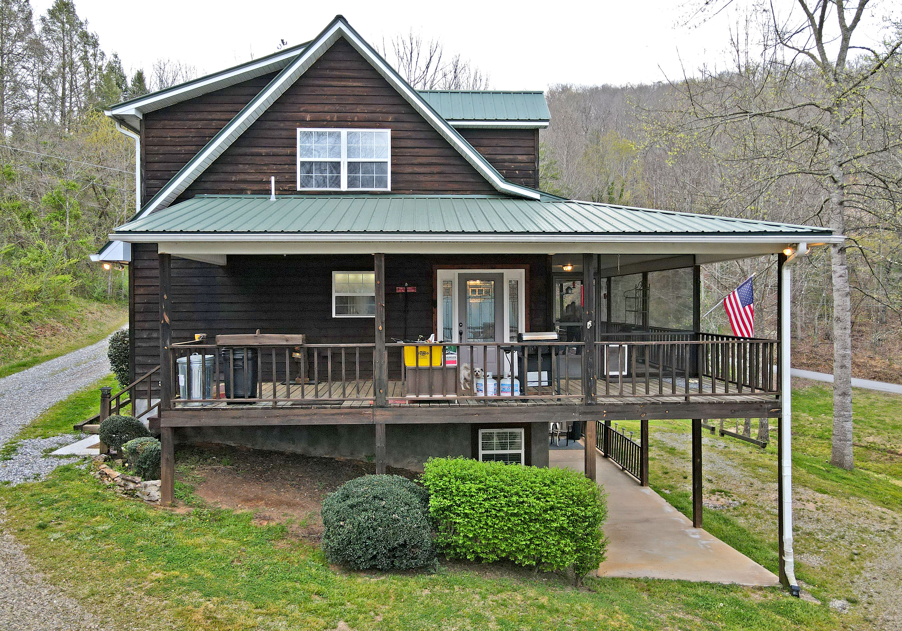 257 Chaffin Street, Blairsville, Georgia 30512, 3 Bedrooms Bedrooms, ,7 BathroomsBathrooms,Single Family,For Sale,257 Chaffin Street,8957720