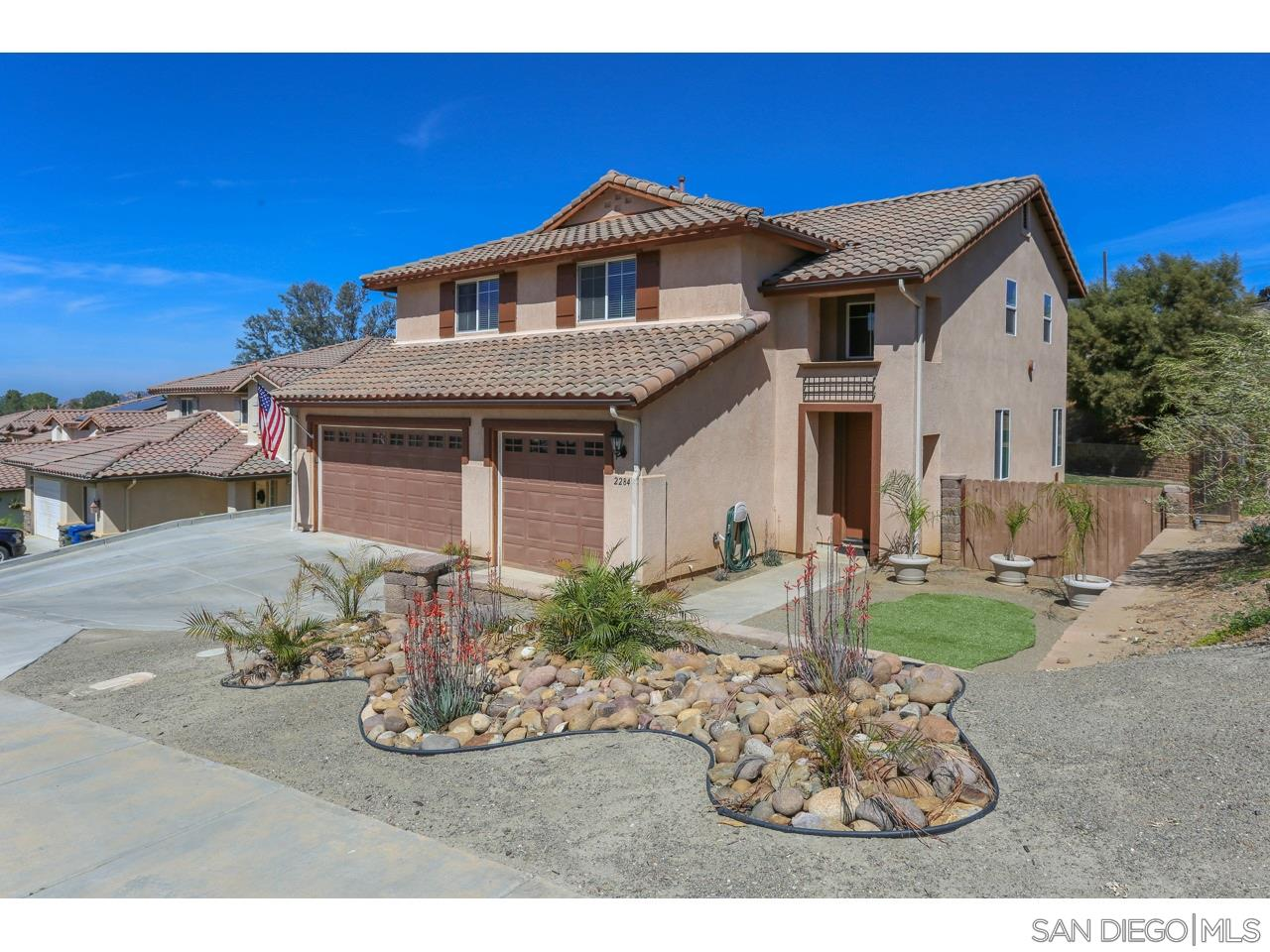2284 Marquand Ct, Alpine, California 91901, 4 Bedrooms Bedrooms, ,3 BathroomsBathrooms,Single Family,For Sale,2284 Marquand Ct,2,210008942
