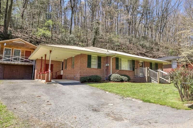 55 Logan Lane, Ellijay, Georgia 30540, 3 Bedrooms Bedrooms, ,1 BathroomBathrooms,Single Family,For Sale,55 Logan Lane,1,6864554