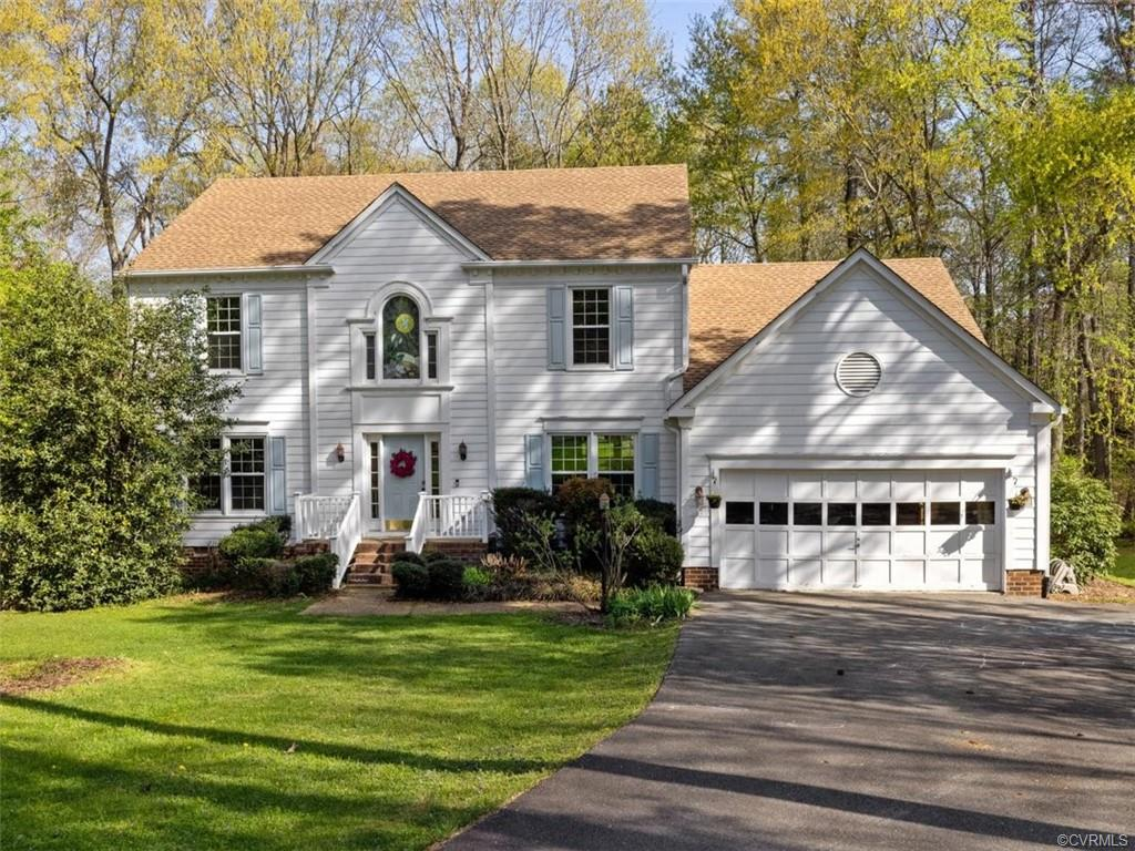 5902 Eastbluff Ct, Midlothian, Virginia 23112, 5 Bedrooms Bedrooms, ,4 BathroomsBathrooms,Single Family,For Sale,5902 Eastbluff Ct,2,2109039