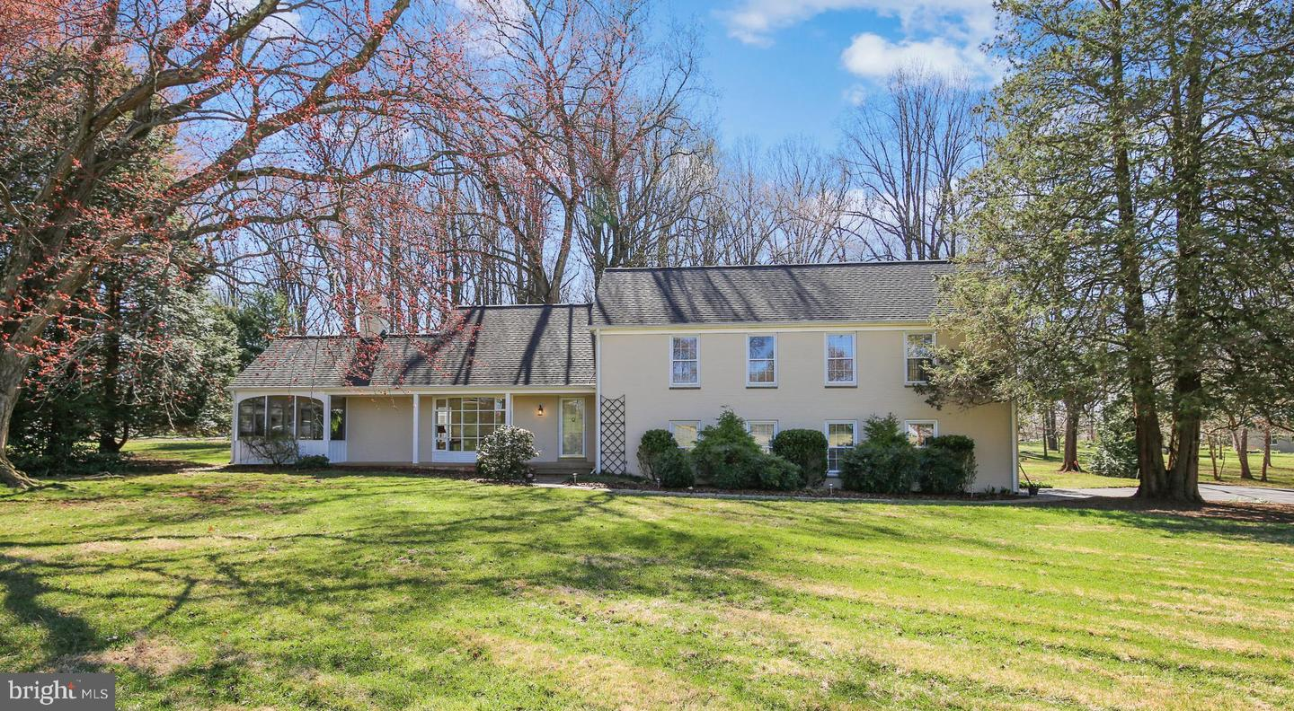 10100 LAKEWOOD DR, ROCKVILLE, Maryland 20850, 4 Bedrooms Bedrooms, ,4 BathroomsBathrooms,Single Family,For Sale,10100 LAKEWOOD DR,MDMC750244