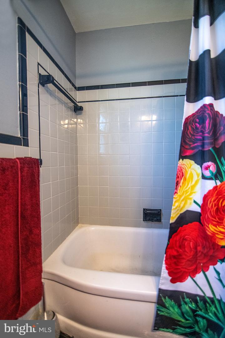 615 ROSEMERE AVE, SILVER SPRING, Maryland 20904, 4 Bedrooms Bedrooms, ,3 BathroomsBathrooms,Single Family,For Sale,615 ROSEMERE AVE,MDMC749846