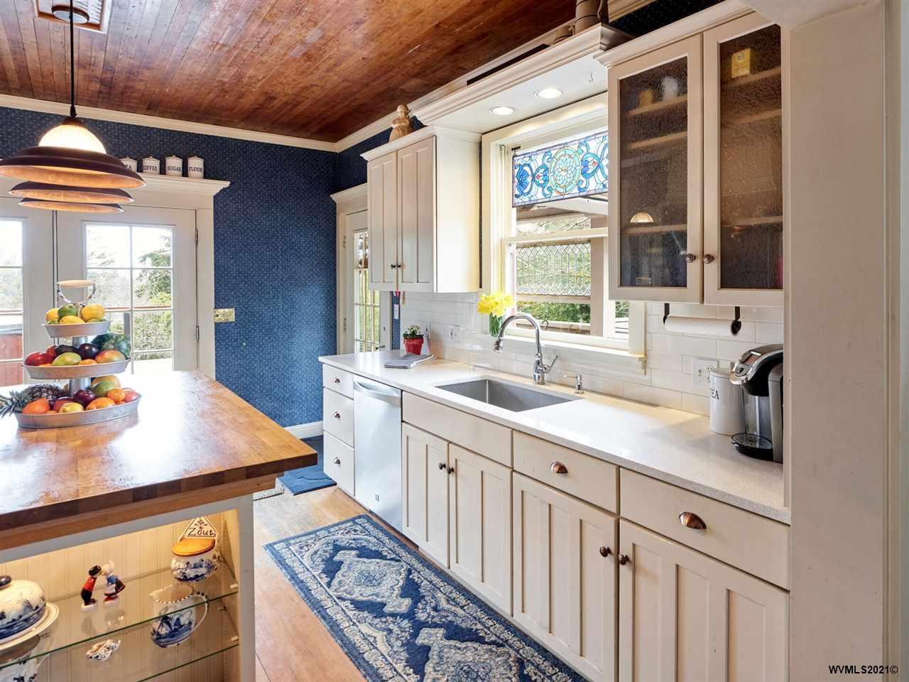 204 Rock St, Silverton, Oregon 97381, 4 Bedrooms Bedrooms, ,2 BathroomsBathrooms,Single Family,For Sale,204 Rock St,2,775912