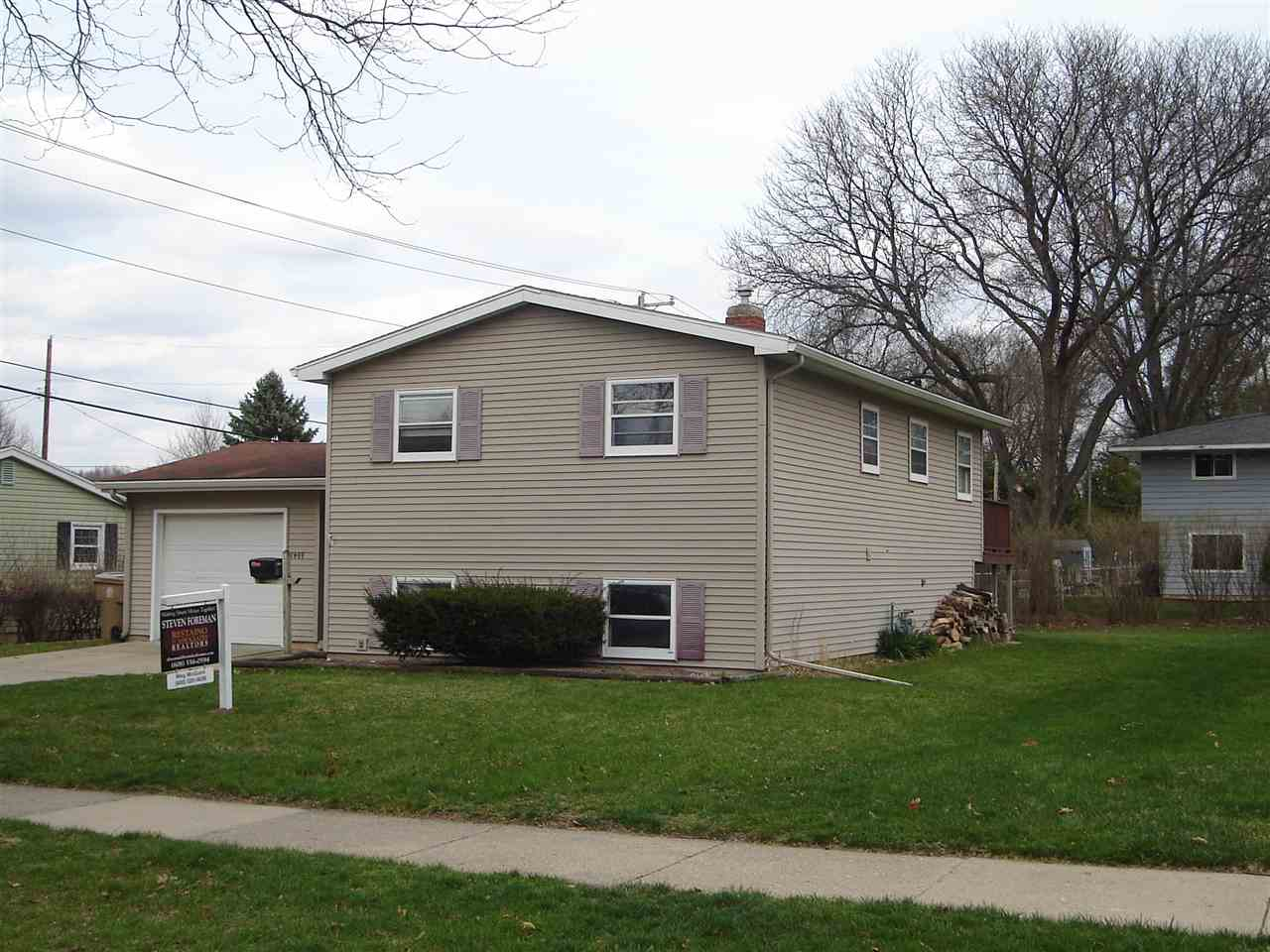 1409 Woodvale Dr, MADISON, Wisconsin 53716, 4 Bedrooms Bedrooms, ,2 BathroomsBathrooms,Single Family,For Sale,1409 Woodvale Dr,1904782