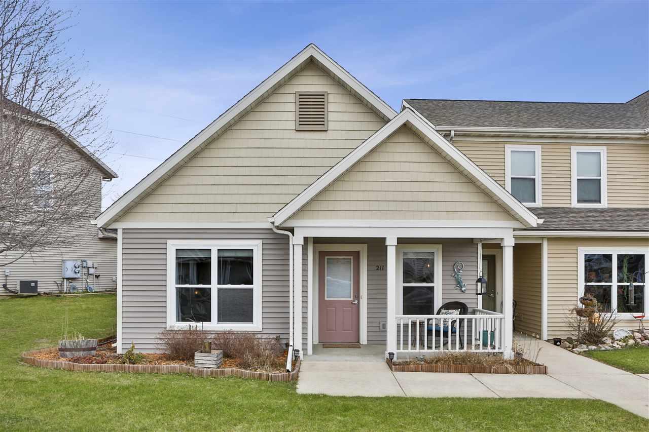 211 S Musket Ridge Dr, Sun Prairie, Wisconsin 53590, 1 Bedroom Bedrooms, ,1 BathroomBathrooms,Condominium,For Sale,211 S Musket Ridge Dr,1905715