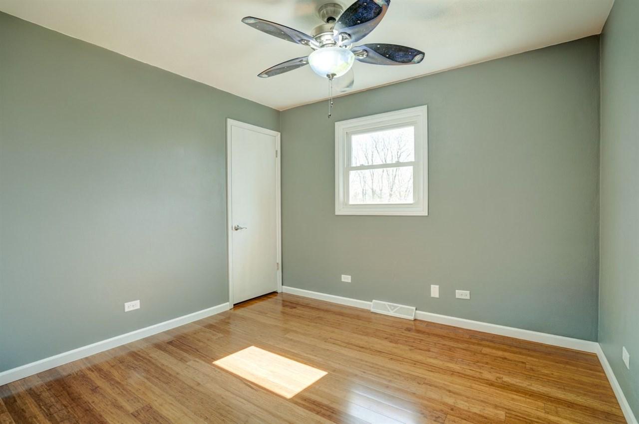1000 SURREY CT, Sun Prairie, Wisconsin 53590, 4 Bedrooms Bedrooms, ,4 BathroomsBathrooms,Single Family,For Sale,1000 SURREY CT,2,1905036