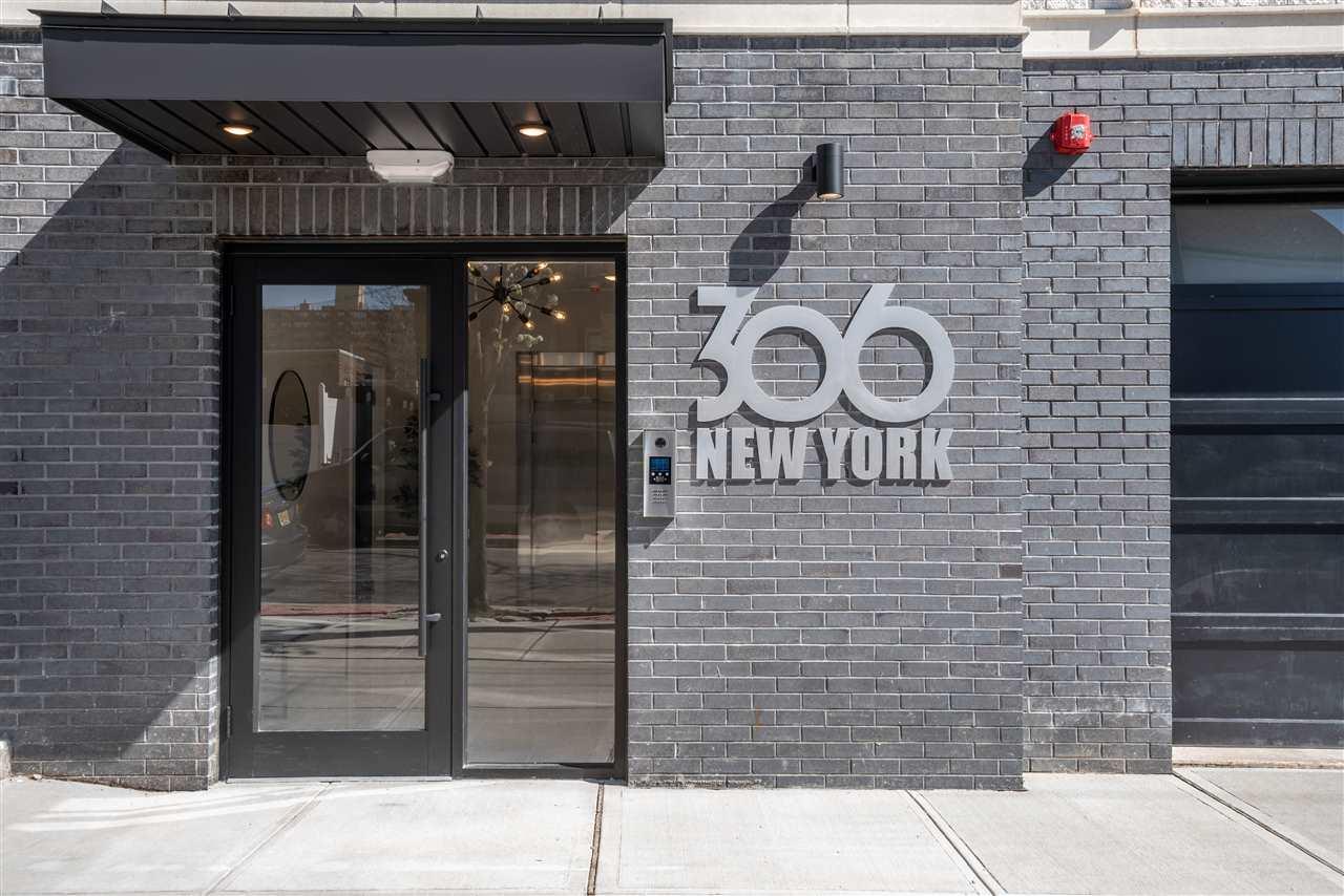 306 NEW YORK AVE, Union City, New Jersey 07087, 2 Bedrooms Bedrooms, ,2 BathroomsBathrooms,Condominium,For Sale,306 NEW YORK AVE,210008517