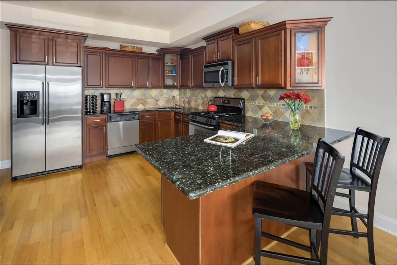 307 MANHATTAN AVE, Union City, New Jersey 07087, 3 Bedrooms Bedrooms, ,2 BathroomsBathrooms,Condominium,For Sale,307 MANHATTAN AVE,210007986